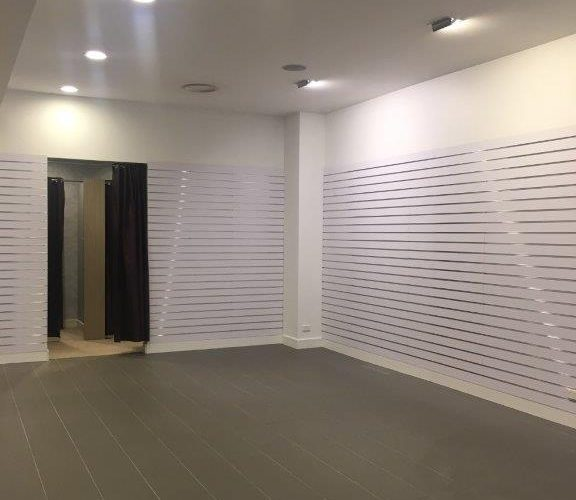 Pop-Up Retail Store (Low Cost)